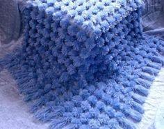 DIY-Fluffy-Pom-Pom-Blanket1.jpg