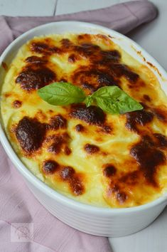 Good Food, Yummy Food, Romanian Food, Spinach Stuffed Chicken, Fall Recipes, Cheeseburger Chowder, Food Inspiration, Carne, Chicken Recipes