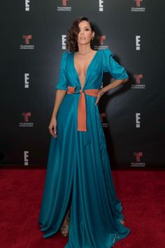 Mexican Actress, Color Turquesa, Dio, Actresses, Formal Dresses, Outfit, Sexy, People, Queen