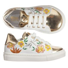 Soft and supple leather trainers with laces by Missouri. These smart little trainers have metallic gold details and beautiful embroidery. Comfortable for young feet they have a soft leather lining and inner sole. Ideal for little girls who like to skip and jump around they have a textured non-slip rubber sole.
