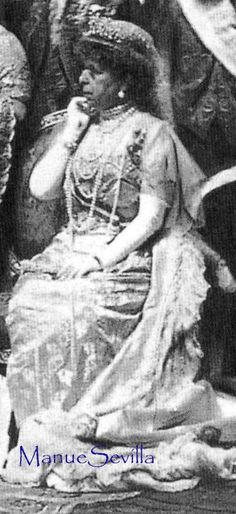 A rare, and rather blurred, photo of Queen Maria Cristina wearing the Cartier loop tiara.