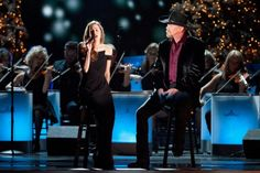Go Behind the Scenes as Trace Adkins Prepares For Christmas Tour