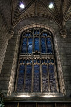 The Great Hall, Harper Memorial Library Commons - University of Chicago. Photo by Zenobia Gonsalves on flickr.