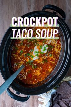 I can't wait to share this new simple crockpot taco soup recipe with you! It's healthy, flavorful, and so easy to make! You can quickly add the ingredients to the crockpot in the morning or prep them ahead of time over the weekend and freeze for later. Healthy Crockpot Recipes, Slow Cooker Recipes, Gourmet Recipes, Soup Recipes, Dinner Recipes, Crockpot Meals, Healthy Chili, Fall Recipes, Drink Recipes