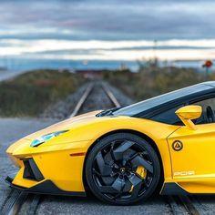 Visit enlapista.com #enlapistadotcom  #Repost @lamborghini_motorsport  | Evening Sunset Drives | #Lamborghini #Aventador #Supercar #Amazing #Beautiful #Speed #Love #Instalike #Photooftheday #Happy #Like Via  @zachbrehl