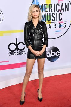 071c901afed643 Selena Gomez Proves That a Killer Set of Legs is the Best Holiday Accessory