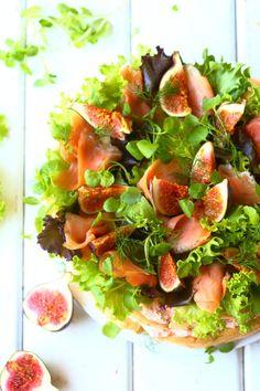 suolainen herkullinen tarjottava tuulihattukakku Salsa, Strawberry, Mexican, Fruit, Ethnic Recipes, Food, Salsa Music, Restaurant Salsa, Strawberry Fruit