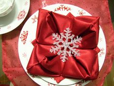 posh in a pinch: {12 Posts before Thanksgiving} Napkin Folds|party and celebration ideas