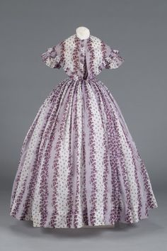 Purple and white printed cotton dress and ruffled pelerine, ca. 1840.
