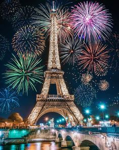 *🇫🇷 Fireworks (Eiffel Tower, Paris, France) by Jennifer Tuffen ( Torre Eiffel Paris, Paris Eiffel Tower, Paris Pictures, Cool Pictures, Paris Images, Insta Pictures, Paris Photography, Travel Photography, Eiffel Tower Photography