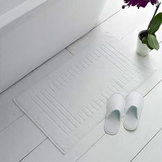 Range of Hotel Bath mats to suite all Hotel and Guest House needs from light contemporary Greek key design to the heavy Checker board all products Home Cleaning Remedies, Flip Flop Slippers, Terry Towel, Key Design, Contemporary Rugs, Cotton Towels, Home Staging, Spring Cleaning, Clean House