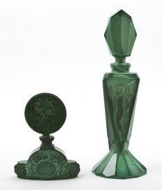 Старинные флаконы для духов зеленого стекла