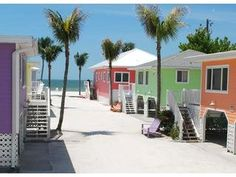 2 Bedroom Cottage Rental in Fort Myers Beach, Florida, USA - Cottages of Paradise Point - Coconut Cottage