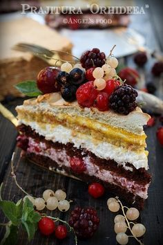 Prajitura Orhideea - chocolate and vanilla cake, berries mousse, milk mousse, ruhm curd, meringue Chocolate And Vanilla Cake, Cookie Recipes, Dessert Recipes, Romanian Desserts, Russian Cakes, Homemade Sweets, Artisan Food, Gift Cake, Sweet Tarts