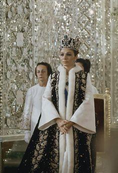 Farah Dibah at her coronation with a tiara of the Iranian imperial family. Van Cleef and Arpels, set with solitary rubies, emeralds, diamonds and pearls. james-l-stanfield. Farah Diba, Royal Crowns, Royal Tiaras, Royal Crown Jewels, King Queen Princess, Royal Queen, Kings & Queens, Pahlavi Dynasty, The Shah Of Iran