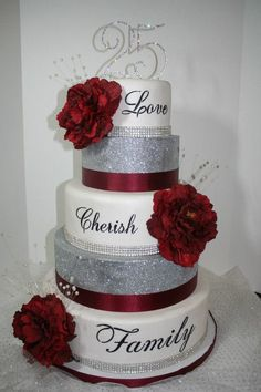 wedding cakes with bling Wedding Cakes With Cupcakes Bling 52 New Ideas, 40th Wedding Anniversary Cake, Silver Anniversary, Anniversary Ideas, Wedding Cakes With Cupcakes, Cool Wedding Cakes, Gold Wedding Colors, Bling Wedding, Ruby Wedding, Trendy Wedding