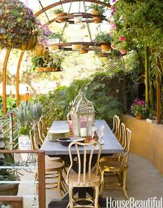 Tranquil Outdoor Dining