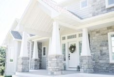 Ideas for house exterior design craftsman columns Craftsman Columns, Brick Columns, Craftsman Style, House Columns, Craftsman Homes, Craftsman Farmhouse, Porch Columns, Craftsman Exterior, Farmhouse Remodel