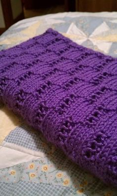 Wheat Ears Baby Afghan By Project Linus - Free Knitted Pattern - (ravelry)