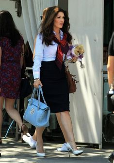 Lisa Vanderpump Photos - Lisa Vanderpump Out in Beverly Hills With Her Dog - Zimbio