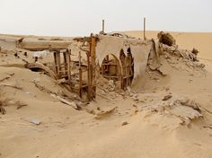 New York-based Italian photographer Rä di Martino first discovered the ruins of the sets of Star Wars and The English Patient near Chott el Djerid in Tunisi on Google Maps. Determined to get a first person view of the location, the visual artist and filmmaker travelled to Tunisia in September 2010 to track down the three Star Wars sets.