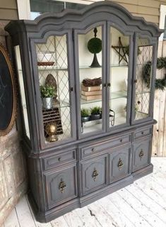 Interiores 44 Ideas Decor French China Cabinets Tips For Attracting Birds To Your Back Yard A Refurbished Furniture, Farmhouse Furniture, Paint Furniture, Repurposed Furniture, Furniture Makeover, Furniture Ideas, Refurbished Hutch, Annie Sloan Painted Furniture, Furniture Design