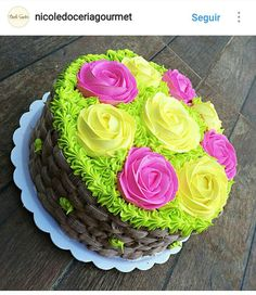 Buttercream Birthday Cake, Buttercream Frosting, Basket Weave Cake, Cupcake Cookies, Cupcakes, Decorator Frosting, Cake Makers, Dessert Recipes, Desserts