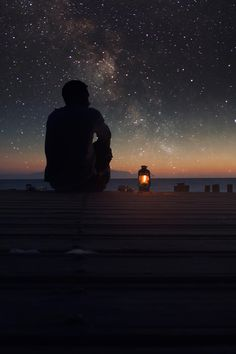 stars sky lonely infinite milky way man lamp sunset deck Adventure Is Out There, Stargazing, Night Skies, Sky Night, Stars At Night, Night Time, Belle Photo, Art Photography, Camping Photography