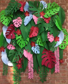 What Is the Best Art for Tuscan Wall Decor? Aloha Party, Tiki Party, Diy Paper, Paper Art, Paper Crafts, Paper Leaves, Paper Flowers, Paper Decorations, Birthday Party Decorations