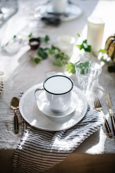 Thanksgiving tabletop decor tips from Beth Kirby ; Gardenista