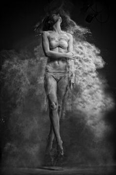 Фотография jumping girl автор Anton Surkov на 500px