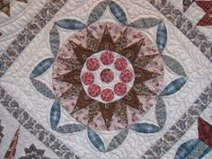 Block from a Di Ford quilt - possibly Wedding Sampler? Hand Applique, Applique Patterns, Quilt Patterns, Medallion Quilt, Quilting Designs, Quilting Ideas, Quilt Design, Sampler Quilts, Antique Quilts