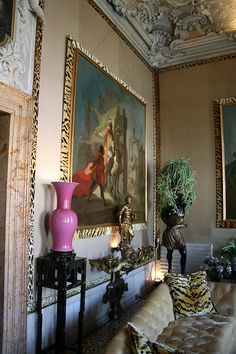 Dodie Rosenkrans Venice Palace İtaly , Renovated by Tony Duquette    amazing leopard print trims