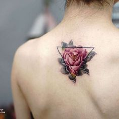 floral tattoos 1 Artist makes floral tattoos look like a beautiful watercolor