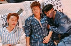 Photo album containing 4 pictures of BTOB Im Hyunsik, Lee Changsub, Yook Sungjae, Lee Minhyuk, Born To Beat, Like A Mom, My Melody, Crazy People, Mamamoo