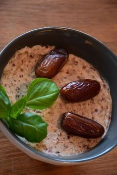Cranberry Date Dip – ThermiQueen Dattel, Dip, Thermomix, Vorwerk - Everything About Appetizers Meat Appetizers, Thanksgiving Appetizers, Appetizer Recipes, Simple Appetizers, Drink Recipes, Recipe For 4, Clean Eating Snacks, Healthy Cooking, Snacks