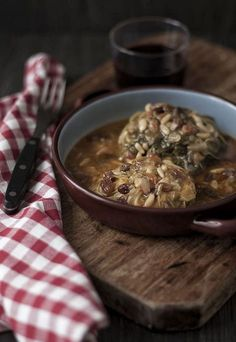 Mallorcan pork with cabbage Pork Ham, Menu, Ham Recipes, Goulash, Carne, Stew, Cabbage, Oatmeal, Goodies