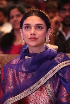 Aditi Rao Hydari Cheliya Movie Audio Launch Photos With Hot Hip and Hot Boobs Show Indian Wedding Outfits, Indian Outfits, Ethnic Outfits, Indian Attire, Indian Wear, Indian Style, Photoshoot Images, Cute Princess, Beautiful Women Pictures