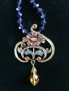 Heidi-Daus-New-Necklace-Flower-Crystal-Statement-Mint