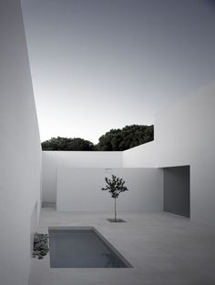 Beautiful subtle colours during sunset. The courtyard of the Gaspar House by Spanish architect Alberto Campo Baeza. Photo by Hisao Suzuki.