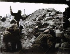 Soviet soldiers in Stalingrad 1942