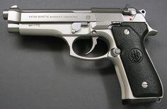 La Beretta 92 (también Beretta 96 y Beretta 98) es una serie de pistolas semiautomáticas diseñada y fabricada por Beretta Gardone val Trompia, Brescia Italia. Fue diseñada en 1972 y la producción de muchas variantes de diferentes calibres continúa en la actualidad. Es famosa por haber substituido a la pistola ACP M1911 calibre .45 como el arma estándar de las Fuerzas Armadas de los Estados Unidos en 1985, en la forma de la Pistola M9.