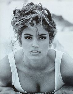 Cindy Crawford~ 90's Supermodel was ALL eyes, bare lips and everything was so BIG!