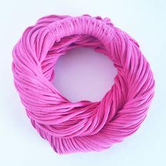 Rosa Pink - Colar de Malha / Cachecol de Malha Lindo Acessório da Moda que VOCÊ confere na ColaresDaMah.comColar de Malha - Rosa Pink - Cachecol de Malha