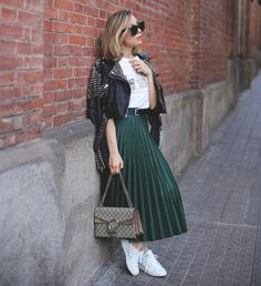 Pin for Later: 12 Subtle Green Outfit Ideas Perfect For St. Patrick's Day Pair a Dark Green Skirt With a White Tee, a Leather Jacket, and White Sneakers patricks day outfit skirt 20 Subtle Green Outfit Ideas Perfect For St. Dark Green Skirt, Green Pleated Skirt, Pleated Skirt Outfit, Green Skirts, Mini Skirt, Green Skirt Outfits, Winter Skirt Outfit, Chic Outfits, Spring Outfits
