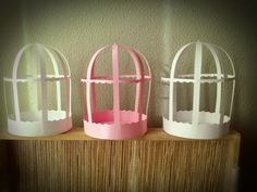 Té y tijeras.: Más jaulas de cartulina Bird Birthday Parties, Diy Bow, My Images, Crafts For Kids, Card Making, Photo Wall, Greeting Cards, Paper Crafts, Baby Shower