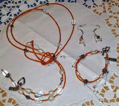 wunderschönes Schmuckset aus Glasperlen, bestehend aus Kette, Armband und Ohrringen. 29,90 Euro, jedes Stück ein Unikat, Handarbeit von szenenwelt auf Etsy
