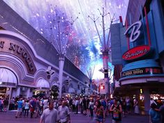 Las Vegas Must See Attractions - Las Vegas Fremont Street Experience - Tips For Travellers