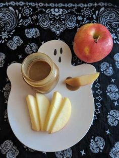 Halloween - Foods: Caramel Dip is perfect for apples! Halloween Activities For Kids, Halloween Foods, Caramel Dip, Apples, Pear, Dips, Fruit, Recipes, Salt Water Taffy