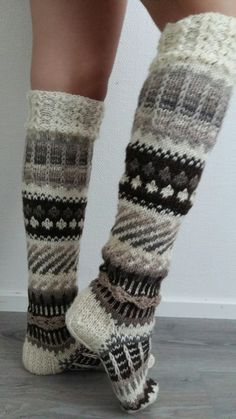 Anelmaiset Wool Socks, Knitting Socks, Crochet Slippers, Knit Crochet, Argyle Socks, Foot Warmers, Sexy Socks, Winter Socks, Knit Boots